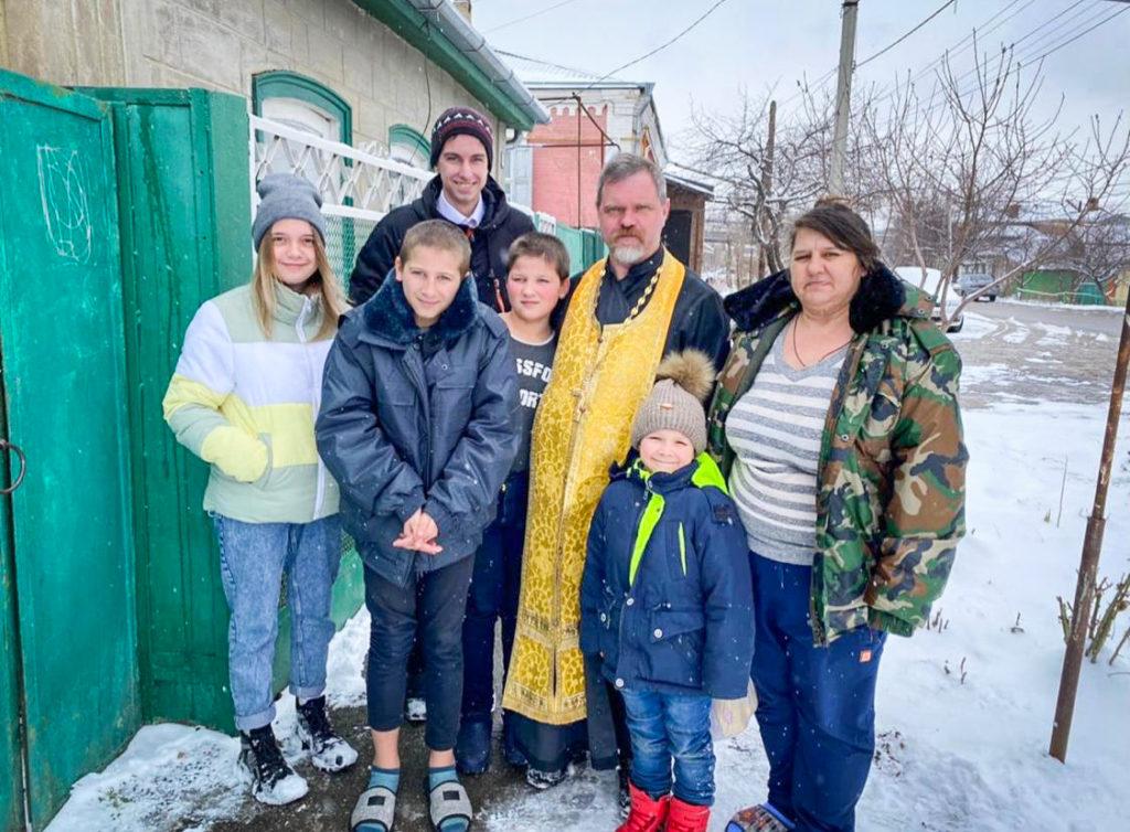 Штатный священник: протоиерей Владислав Елисеев