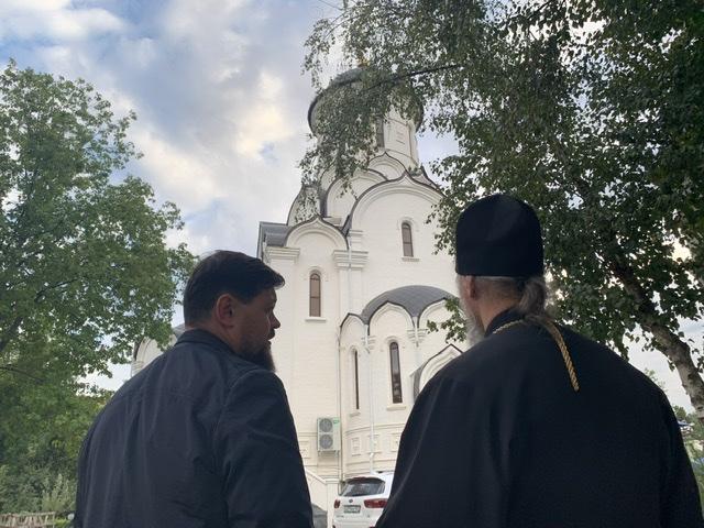 Епископ Василий посетил храм Рождества Христова