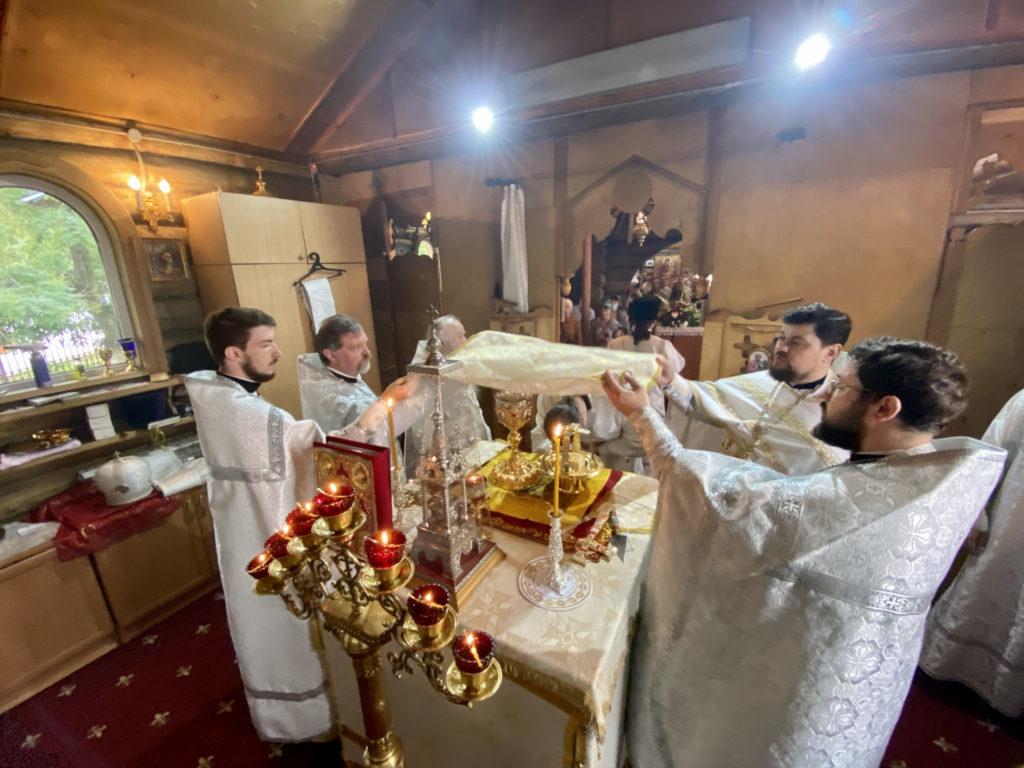 Божественная литургия в праздник Рождества Иоанна Предтечи в Предтеченском храме города Армавира